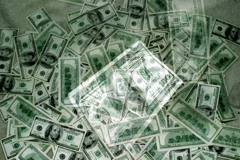 800px-Hundred_dollar_bill_03